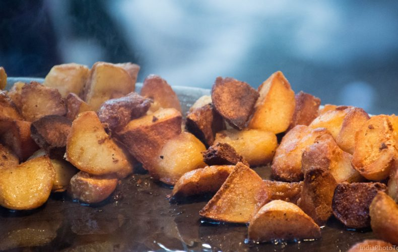 Delhi Food Tour- crispy potatoes